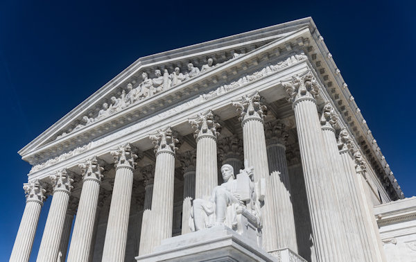 Photo of the front of the United States Supreme Court Building
