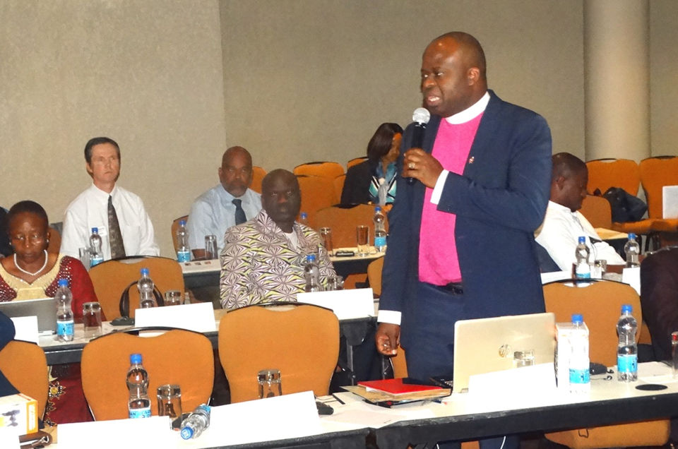 African Bishop Mande Muyombo addresses colleagues