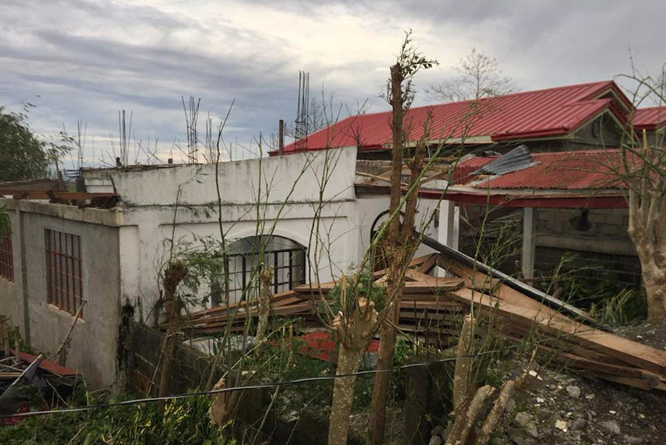 Destruction of a church in the Philippines by Typhoon Mangkhut