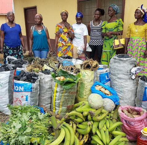 UMW in Liberia bringing food to the Ganta Hospital