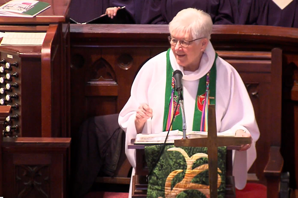 Bishop Sharon Z. Rader speaks at the Memorial Service for Bishop Judith Craig.
