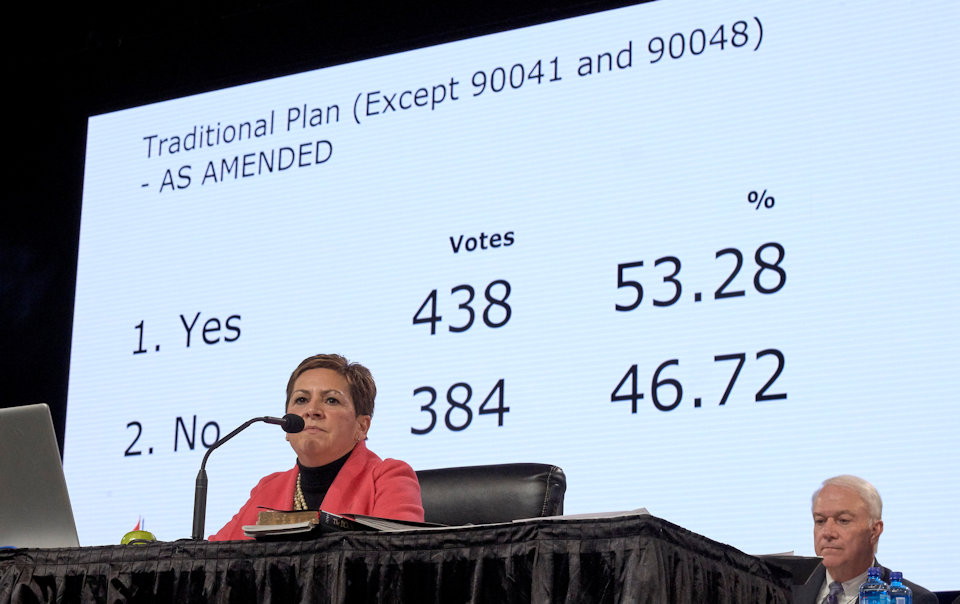 Bishop Cynthia Fierro Harvey chaired the afernoon plenary.