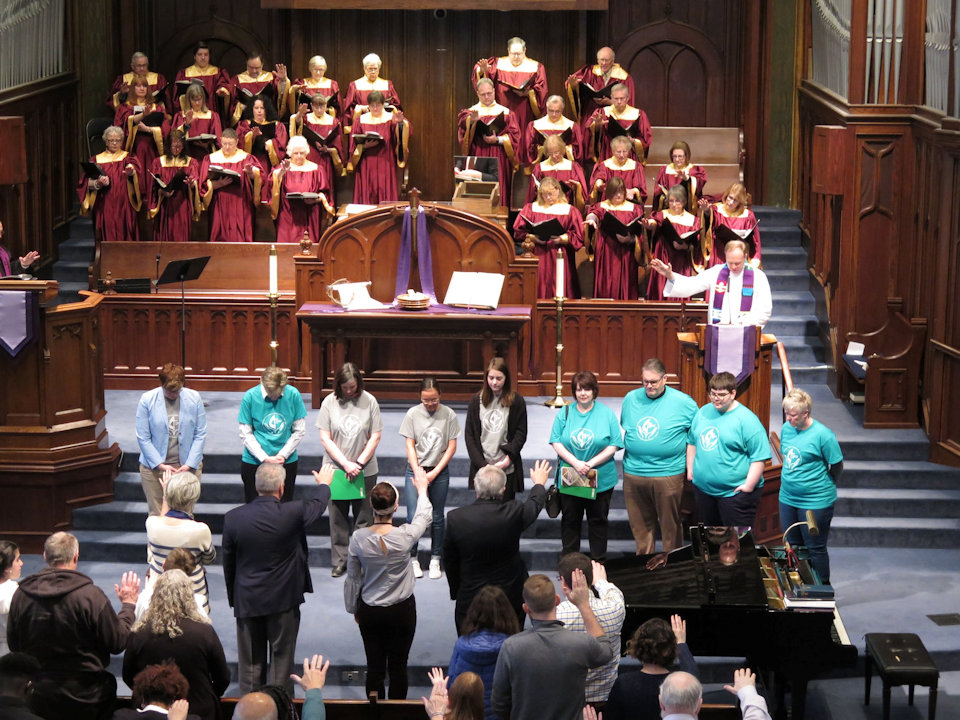 Congregation blesses work team going to Cuba