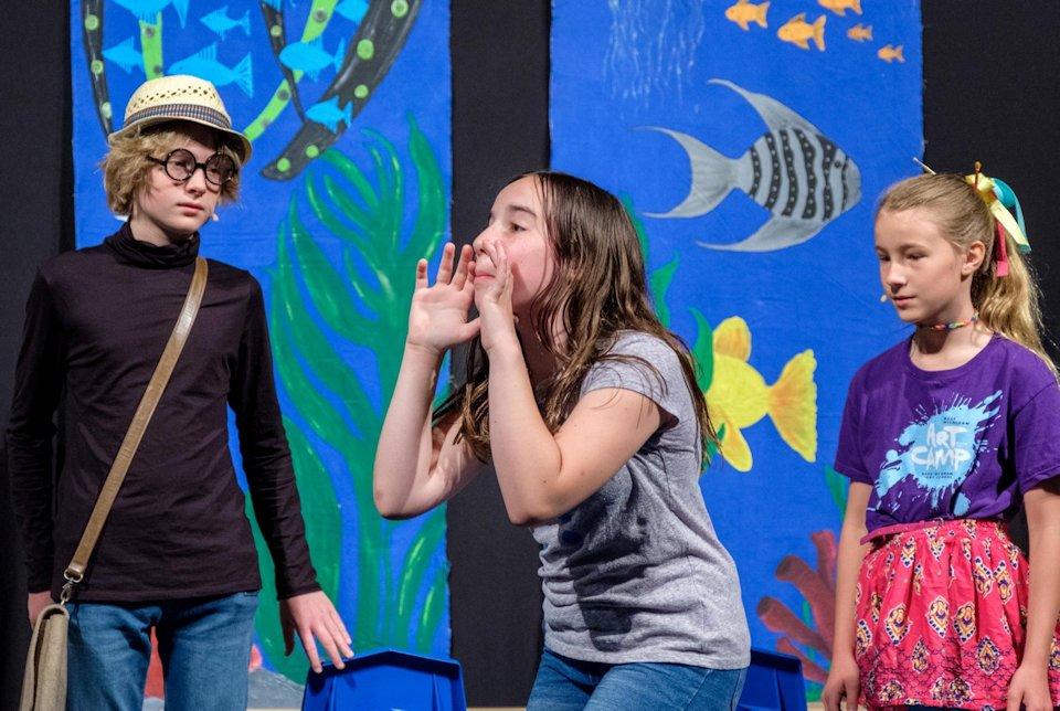 Youth at Kalamazoo First share drama in worshipSna