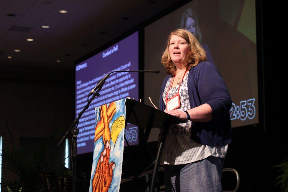 Amy Mayo Moyle presents straw poll resolution