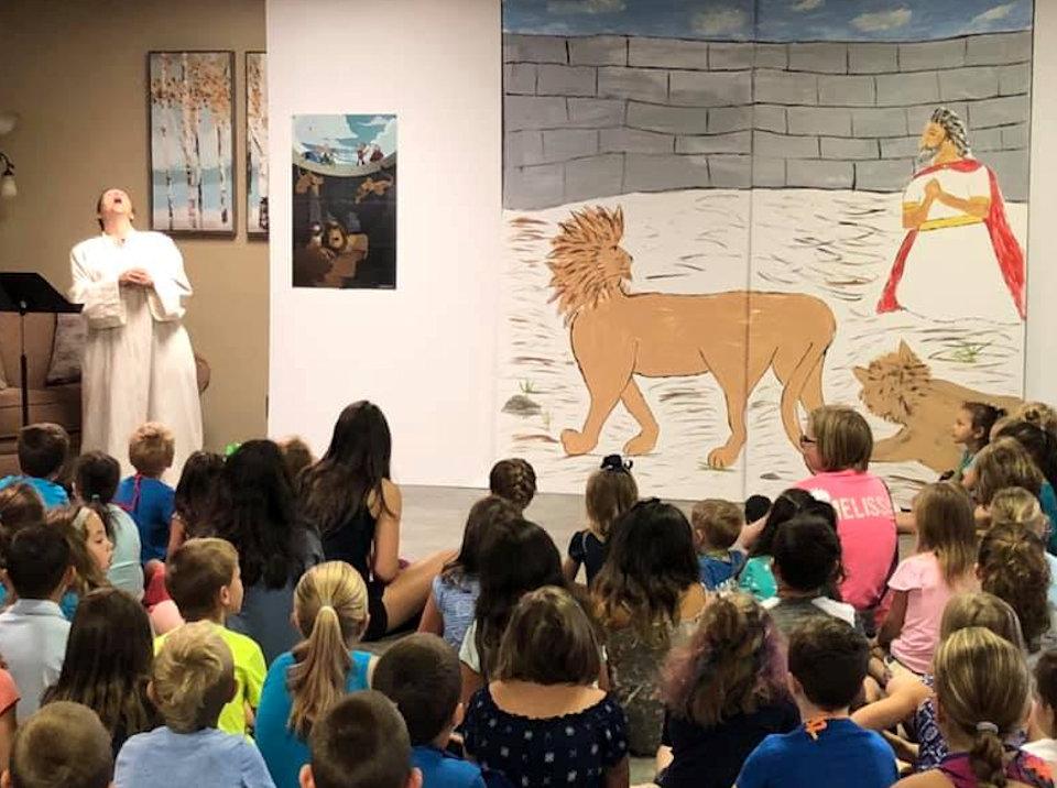 Drama of Daniel in Lion's Den