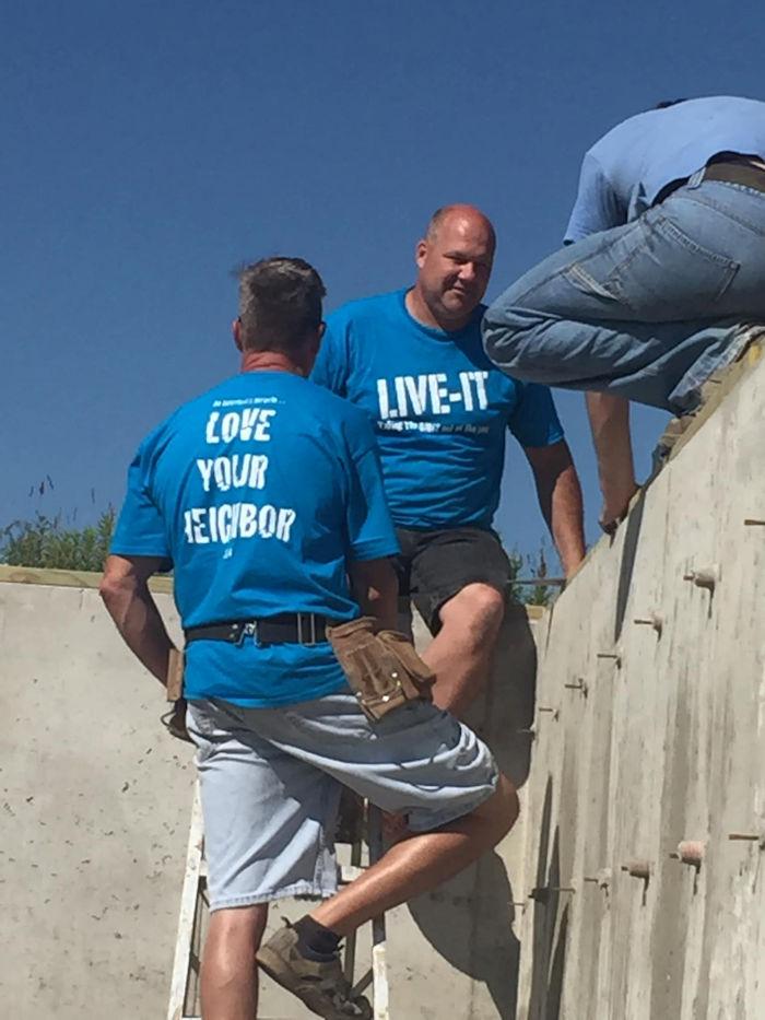 Volunteers help Wisconsin flood recovery