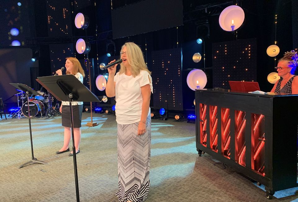 Vocalists for opening worship
