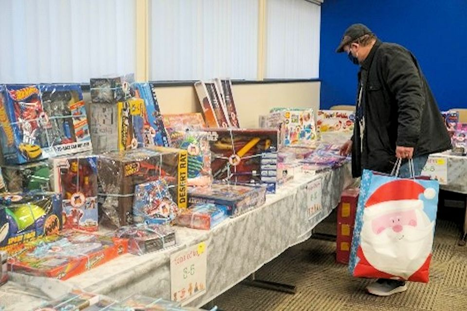 Mid-Michigan flood survivors enjoy a Christmas gift.