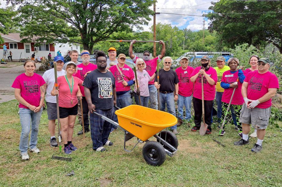 Volunteers in Saginaw