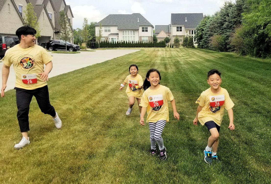 Children running for child hunger reliefr