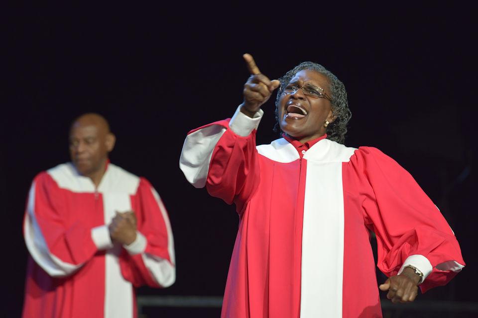 Deaf Choir at General Cofnerence