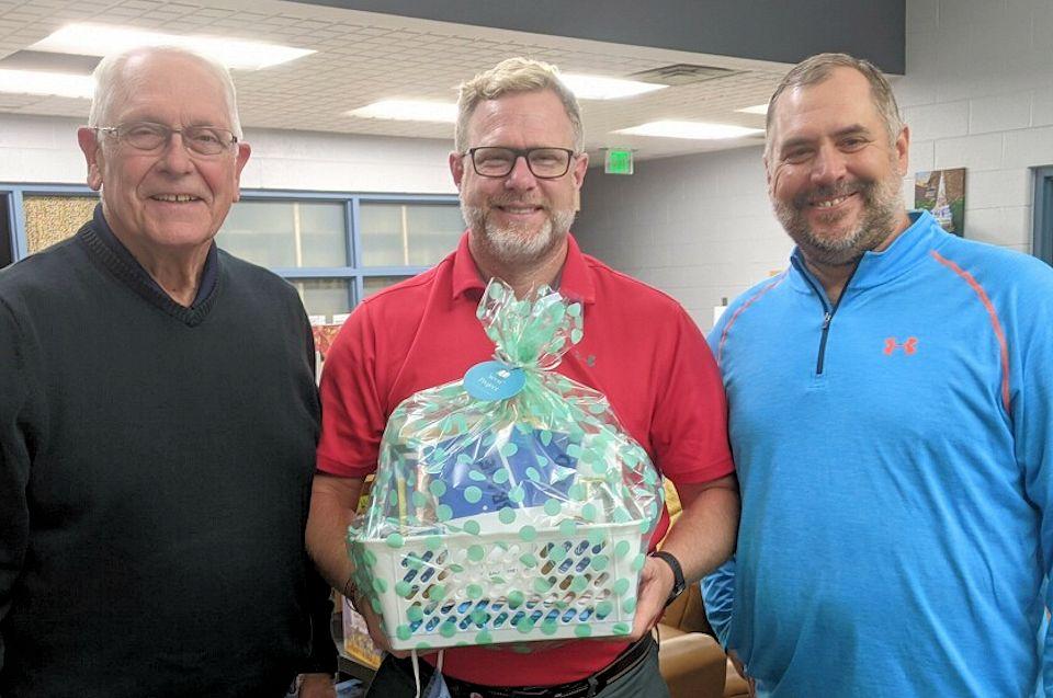 Aldersgate leaders visit North Oakview Elementary School
